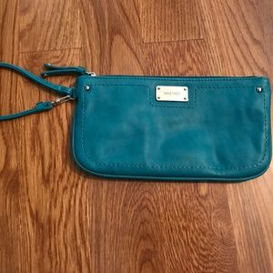 Nine West teal wristlet